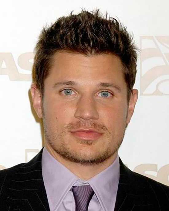 Square Face Spiky Haircuts for Men-14